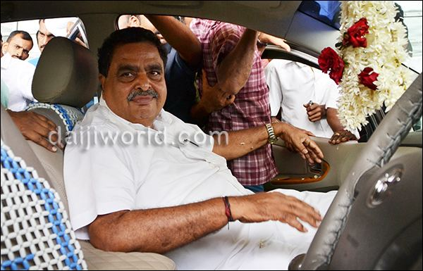 Ramanath Rai Mangalore Minister Ramanath Rai accorded rousing welcome in city