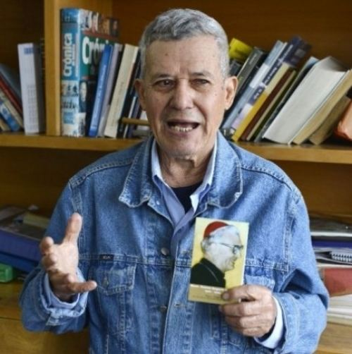 Ramón Bogarín Argaña ASEGURAN QUE MONSEOR BOGARN OBRA MILAGROS Quieren hacer santo de