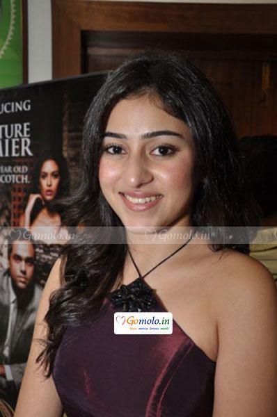 Rang Milanti Riddhima at Rang Milanti Bengali movie premiere at Priya Cinema in