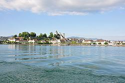 Rapperswil Peninsula httpsuploadwikimediaorgwikipediacommonsthu