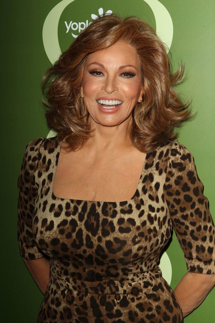 Raquel Welch RAQUEL WELCH FREE Wallpapers amp Background images