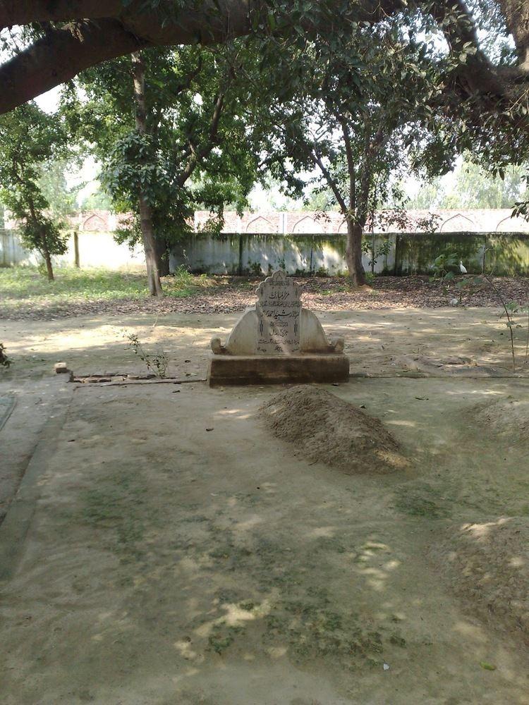 Rashid Ahmad Gangohi Khanqah Ashrafiya Hazrat Maulana Rasheed Ahmad Gangohi ra Grave