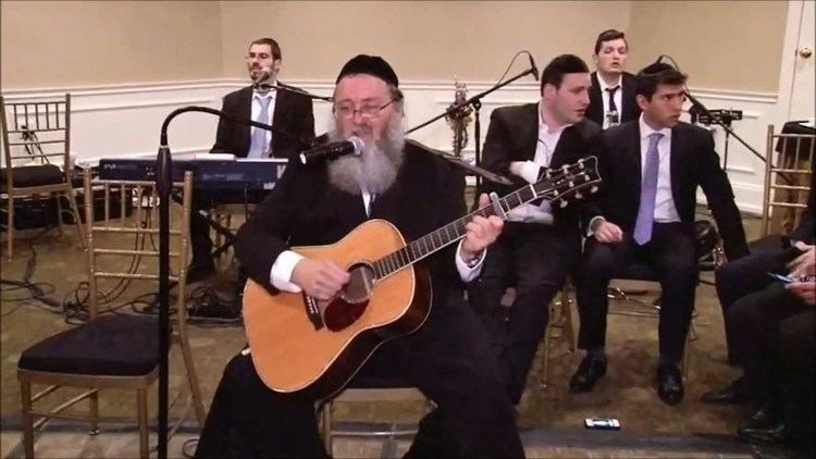 Rav Shmuel (musician) Rav Shmuel Brazil Kumzitz With Talmidim Modeh Ani YouTube
