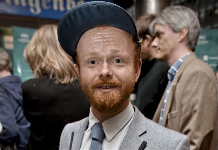 Ravi (Ivar Johansen) Ravi bytter kanal gr til TV3 Idol VG