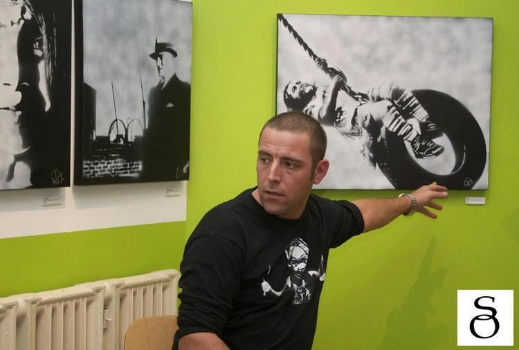 Ray Ferrer Living2Inspire Featured Artist Ray Ferrer Spray Paint Stencil