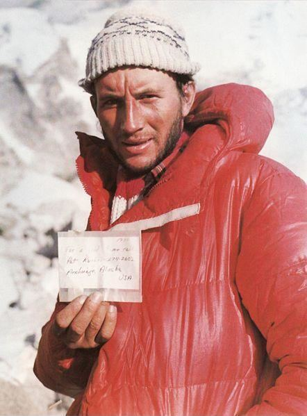 Ray Genet Leszek Cichy presents the note which Ray Genet left on top of Mount