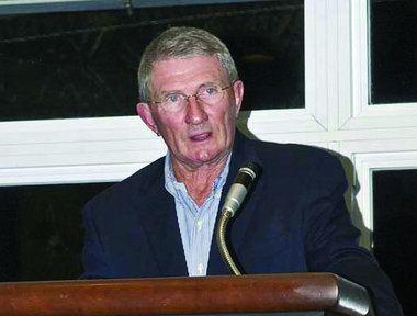 Ray Perkins Ray Perkins has right attitude but seems headed for peewee
