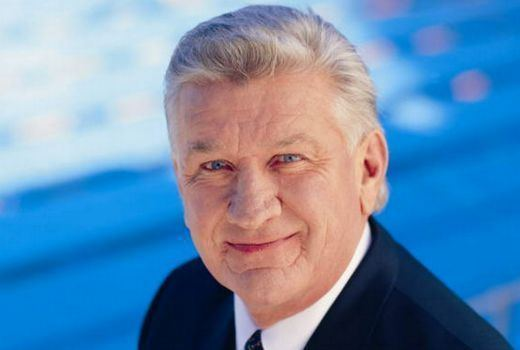 Ray Warren Ray Warren signals retirement when current NRL deal ends
