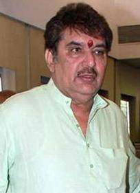 Raza Murad httpsuploadwikimediaorgwikipediacommonscc