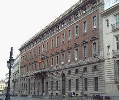 Real Casa de la Aduana httpsuploadwikimediaorgwikipediacommonsthu