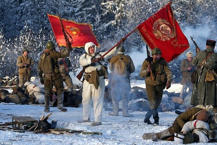 Red Army Actors don Red Army and Nazi uniforms to recreate end of Siege of