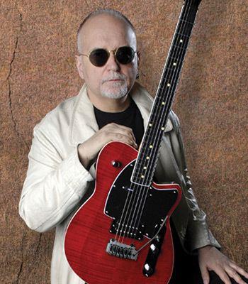 Reeves Gabrels wwwwildwoodguitarscomimagessiteartistreevesg