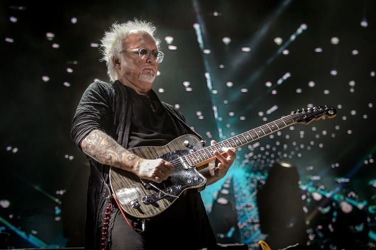 Reeves Gabrels reevznet the official quotunofficialquot Reeves Gabrels site