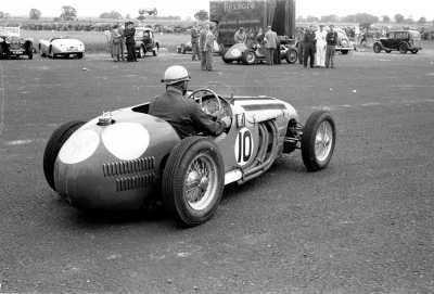 Reg Parnell hwmf2regparnellatwinfieldscotland19511300pjpg