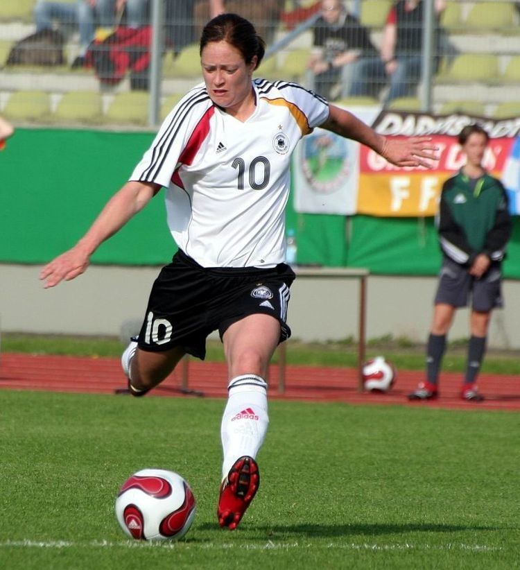 Renate Lingor Top 10 Best Female Soccer Players of All Time I Luv Sports