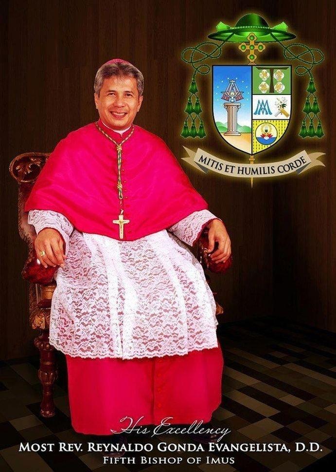 Reynaldo G. Evangelista El Obispo de Imus PAGINA OFICIAL de la VIRGEN de la SOLEDAD