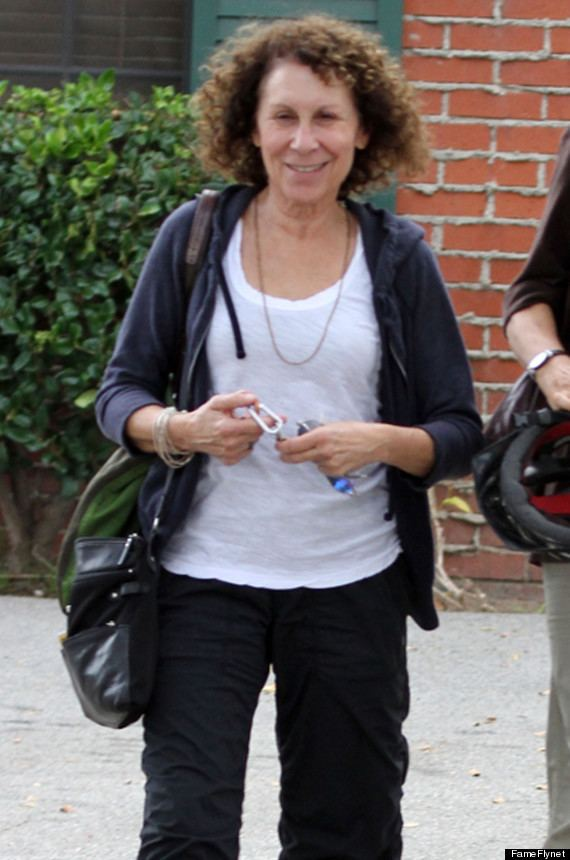 Rhea Perlman Rhea Perlman Danny DeVito Separate Actress Is All Smiles As She