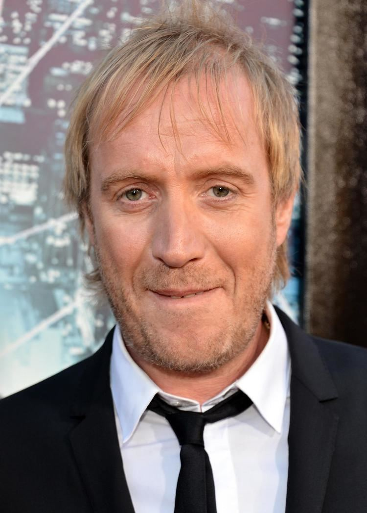 Rhys Ifans Elementary Casts Rhys Ifans as Sherlock39s Brother Den of