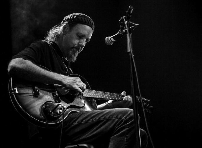 Richard Bishop (guitarist) Experimental guitarist Sir Richard Bishop gives away his