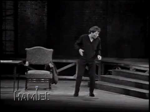 Richard Burton's Hamlet Hamlet rogue and peasant slave am I Richard Burton 1964 YouTube