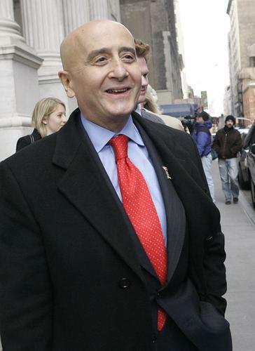 Richard Grasso Cuomo Drops Case Against NYSE39s Grasso The New York Sun