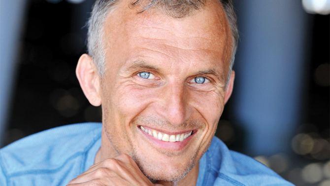 Richard Sammel International Star You Should Know 39The Strain39s39 Richard