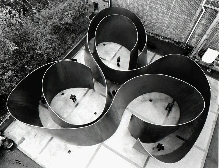 Richard Serra Richard Serra 359 Artworks Bio Shows on Artsy