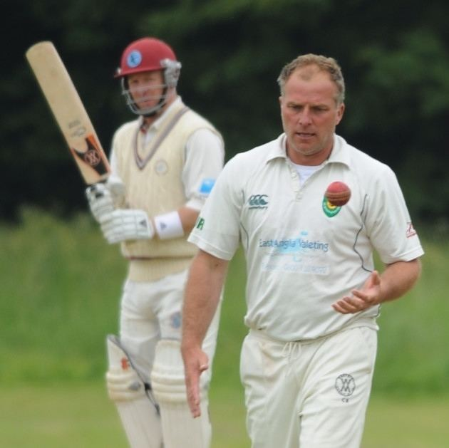 Richard Sims (Cricketer) playing cricket