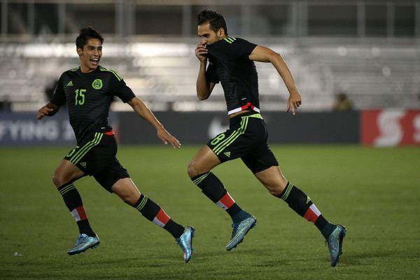 Érick Aguirre Erick Aguirre Pictures Mexico v Honduras Group B 2015 CONCACAF