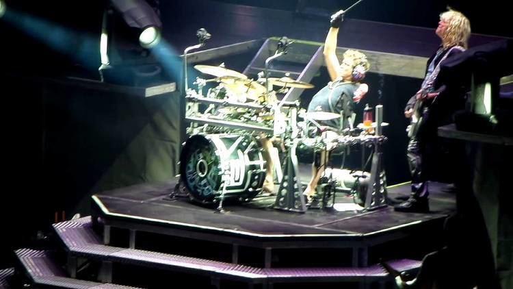 Rick Allen (drummer) Def Leppard Rick Allen drum solo Live in Madrid 2013 YouTube