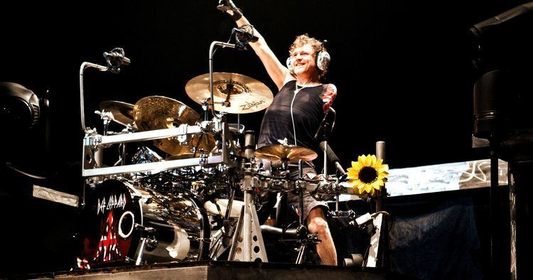 Rick Allen (drummer) def leppard drummer Buscar con Google Rick Allen Pinterest
