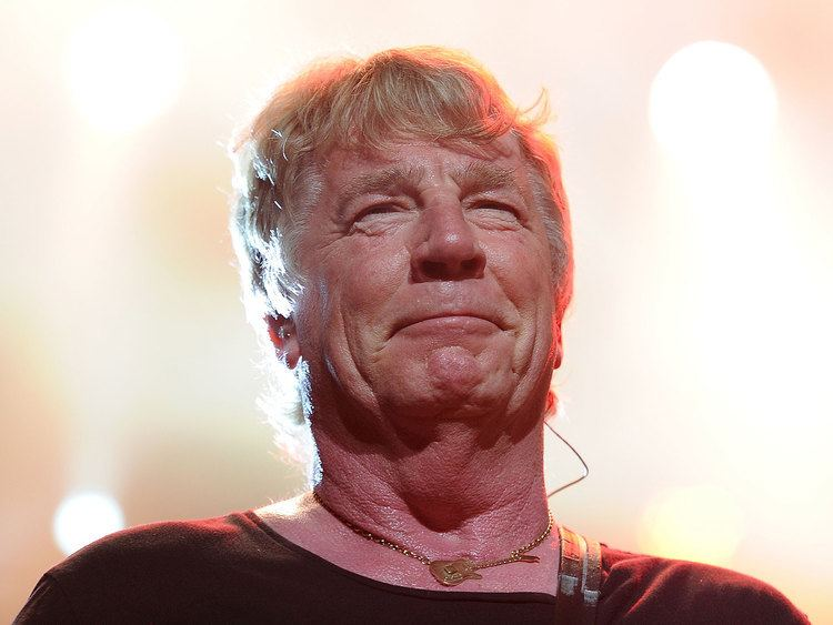 Rick Parfitt Status Quo cancel six concerts after Rick Parfitt taken to