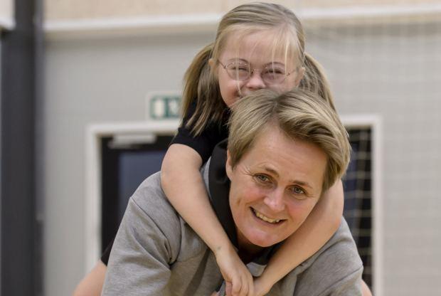 Rikke Nielsen Hndboldstjerne fik datter med Downs syndrom Magda er en gave SE