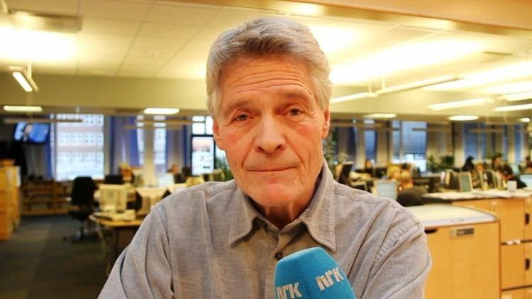 Roald Øyen Roald yen takker for seg NRK Kultur og underholdning Nyheter og