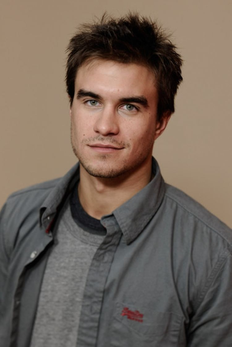 Rob Mayes staggering pictures of Rob Mayes