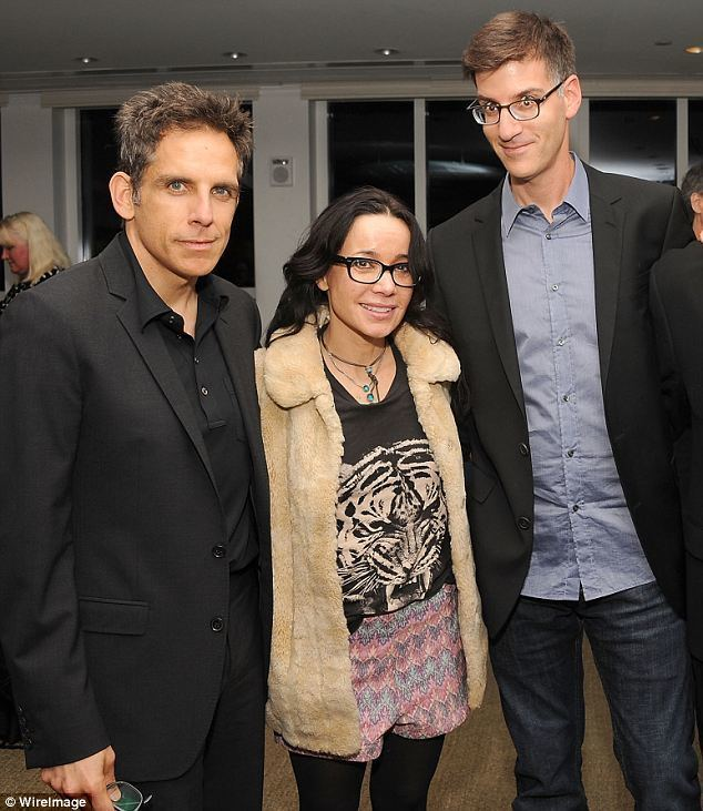 Robert Cohen (writer) Janeane Garofalo was married for 20 years to her old