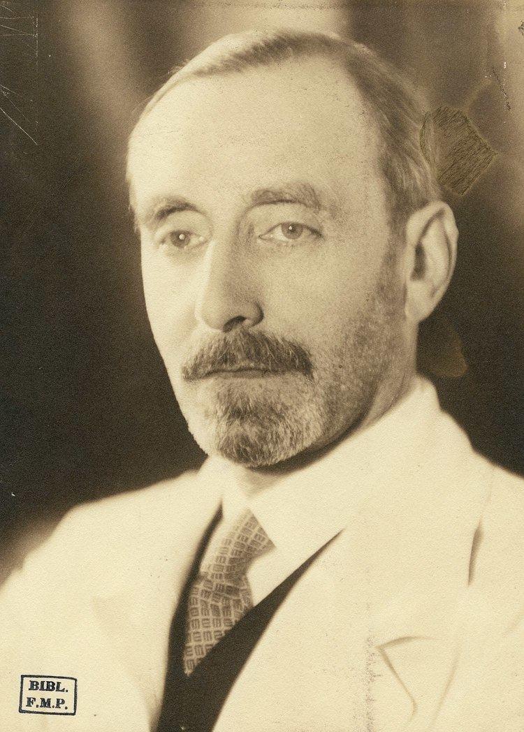 Robert Debré httpsuploadwikimediaorgwikipediacommonsthu