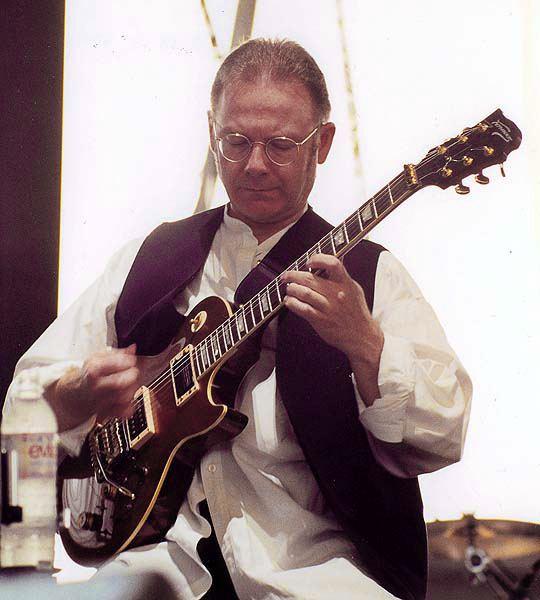 Robert Fripp Pin by Mundo Aseptico on Robert Fripp Pinterest Guitars and