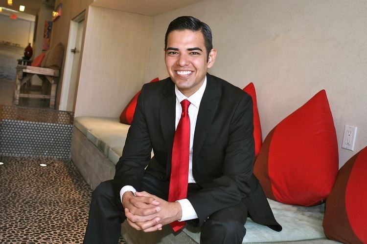 Robert Garcia (California politician) Robert Garcia Gay Vice Mayor Of Long Beach Announces