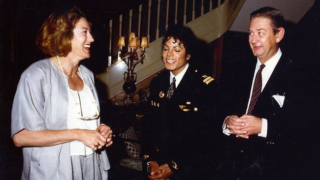 Robert Holmes a Court ABC39s Family Confidential reveals Michael Jackson visited
