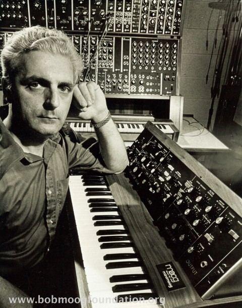 Robert Moog wwwmoogmusiccomsitesdefaultfilesimagecache4