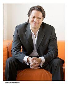 Robert Petkoff httpsuploadwikimediaorgwikipediacommonsthu
