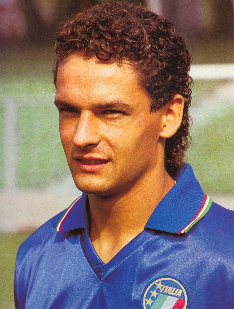 Roberto Baggio httpsuploadwikimediaorgwikipediacommons11