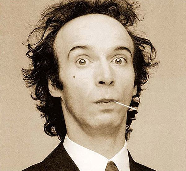 Roberto Benigni SIMON SAYS The Roberto Benigni Problem Press Play