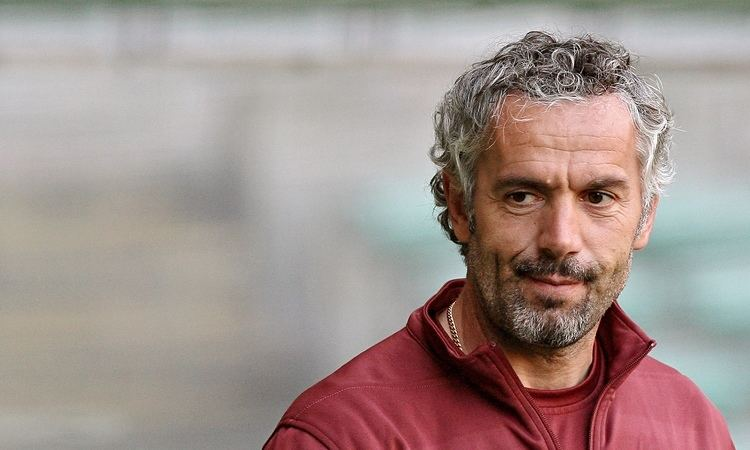 Roberto Donadoni Roberto Donadoni39s bench up for sale as Parma39s financial