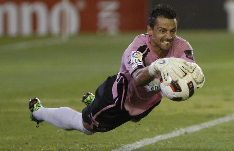 Roberto Fernandez Alvarellos Agen Sbobet Roberto Agen judi bola terpercaya Bursa