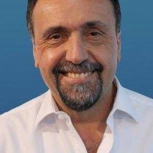 Roberto Navarro (journalist) wwwbigbangnewscomexport1448312120765sitesb