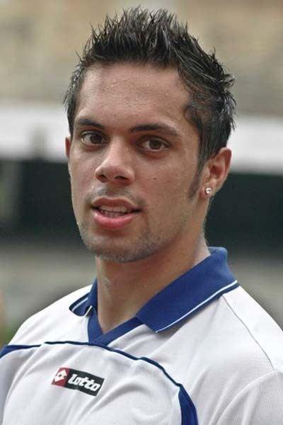 Robin Singh (footballer) staticsportskeedacomwpcontentuploads201208