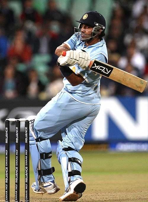 Robin Uthappa (Cricketer) playing cricket