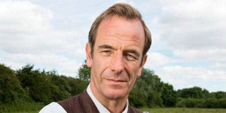 Robson Green Grantchester39 Star Robson Green Admits He Was 39Paid